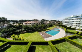 Property for sale in Cascais. Modern apartment in a condominium with pool and ocean view near the center of Cascais