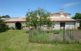 Residential for sale in Gironde. Villa – Gironde, Aquitaine, France