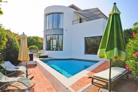 Property for sale in Cagnes-sur-Mer. Villa – Cagnes-sur-Mer, Côte d'Azur (French Riviera), France