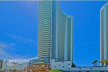 2 bedroom apartments for sale in North America. Comfortable residence in Sunny Isles Beach, Florida, USA