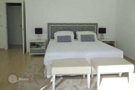 Residential to rent in Andalusia. Villa – San Pedro Alcántara, Andalusia, Spain