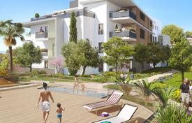 Apartments for sale in Villeneuve-Loubet. Modern apartments in a new guarded residential complex with a park, a pool and a parking, near the sea and the center of Villeneuve-Loubet