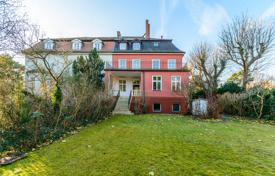 Luxury houses for sale in Germany. Historic three-storey house with two balconies and a terrace in the prestigious area of Westend — Charlottenburg, Berlin, Germany