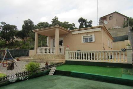 Cheap 3 bedroom houses for sale in Costa Brava. Villa - Lloret de Mar, Catalonia, Spain
