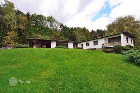 Houses with pools for sale in Austria. A luxury home in Tyrol, near Innsbruck