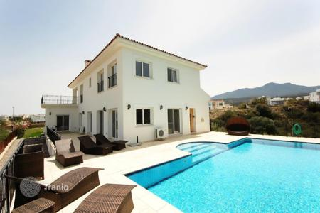Houses for sale in Esentepe. Luxury villa in the exclusive village