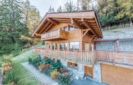 Luxury chalets for sale in Alps. Spacious chalet with a terrace and a sauna, with panoramic views of the surroundings, in a quiet area, Nendaz, Swiss Alps