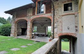 Detached house – Porto Valtravaglia, Lombardy, Italy for 3,200 € per week