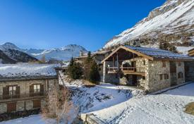 Luxury chalets for sale in Alps. Renovated chalet with a balcony and garages, in the ski resort of Val d'Isère, Savoie, France