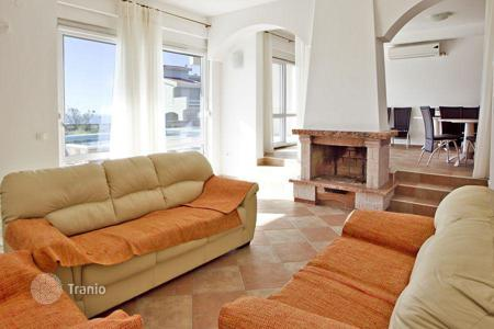 3 bedroom houses by the sea for sale in Bar. Magnificent villa with sea views in the village Dobra-Voda