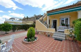 Cheap townhouses for sale in Spain. Townhouse near the golf course in Ciudad Quesada