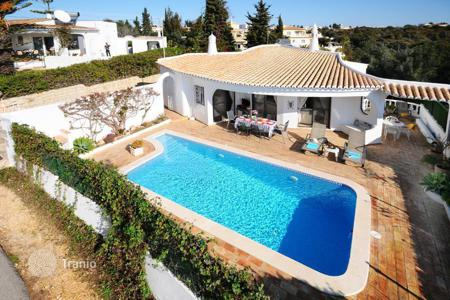 Residential for sale in Carvoeiro. Villa – Carvoeiro, Faro, Portugal