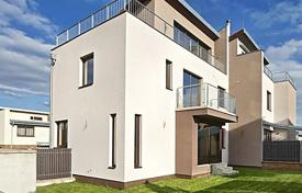 4 bedroom houses for sale in Prague. Townhome – Praha 5, Prague, Czech Republic