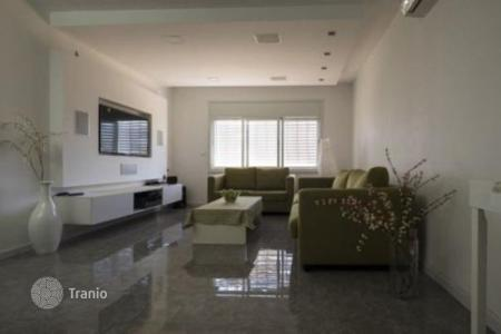 3 bedroom apartments for sale in Center District. Modern apartment after repair, near the park in Netanya, Israel