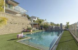 4 bedroom houses for sale in Teià. Three-storey villa with a pool, a terrace and a sea view, near the city center, Teia, Spain