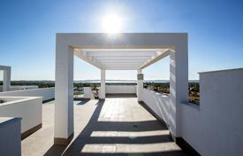 Cheap residential for sale in Guardamar del Segura. 3 Bedroom apartment with private solarium in El Raso, Guardamar