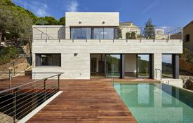 Luxury 4 bedroom houses for sale in Lloret de Mar. New modern villa with a pool, a terrace and a garden, next to the sea, in a quiet area, Lloret de Mar, Spain