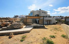 Luxury houses for sale in Catalonia. Three-storey house with a modern design at the beach in LEscala