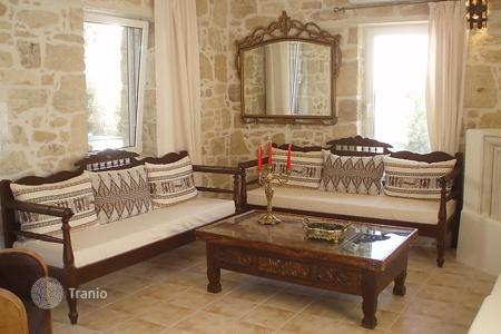 4 bedroom villas and houses to rent in Alimos. Detached house – Alimos, Crete, Greece