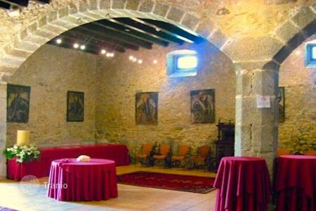 Houses for sale in Argentona. Medieval house with land area of 60 hectares in Argentina, Spain