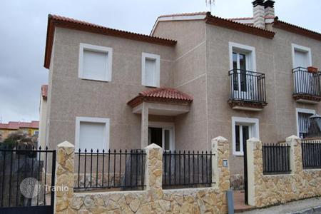Cheap houses for sale in Castille La Mancha. Villa – Espinosa de Henares, Castille La Mancha, Spain