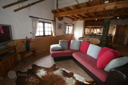 Villas and houses to rent in Montvalezan. Chalet – Montvalezan, Auvergne-Rhône-Alpes, France