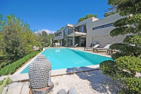 4 bedroom houses for sale in Saint-Paul-de-Vence. Villa - Saint-Paul-de-Vence, Côte d'Azur (French Riviera), France