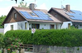 3 bedroom houses for sale in Bavaria. House in a quiet area of the city, Otterfing, Germany