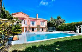 Property for sale in Le Cannet. Le Cannet — Bourgeois Villa — 6 Bedrooms — Swimming-Pool