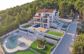 Villas and houses for rent with swimming pools in Croatia. Detached house – Tribunj, Sibenik-Knin, Croatia