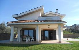 Residential for sale in Abruzzo. Villa with two terraces, a large garden and panoramic views of the sea and mountains in Montesilvano, Italy