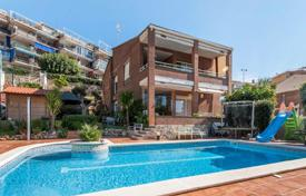 Houses for sale in Castelldefels. Villa – Castelldefels, Catalonia, Spain