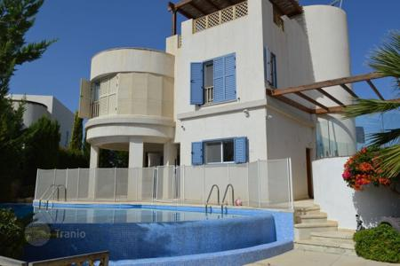 Coastal residential for sale in Chloraka. Detached Villa, 3 Bedrooms, 100m to sea — CHLORAKAS