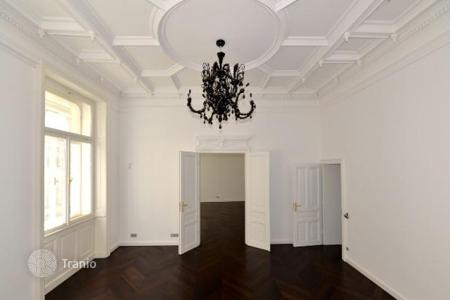 Luxury 3 bedroom apartments for sale in Austria. Modern apartment with a balcony in the 1st district of Vienna, Austria