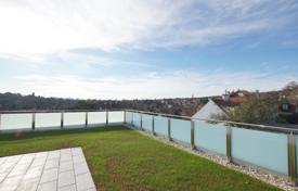 Luxury apartments for sale in Döbling. New three-bedroom penthouse with a roof terrace and jacuzzi in Grinzing, Vienna