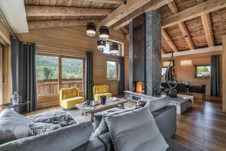 Chalets for rent in Megeve. New chalet consisting of two independent houses, with an elevator, a pool, a jacuzzi and a gym, Megeve, France