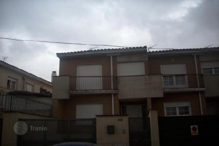 Cheap property for sale in Tomelloso. Villa – Tomelloso, Castille La Mancha, Spain
