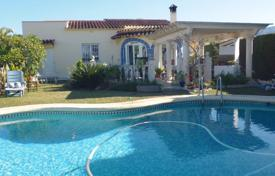 Houses with pools for sale in Valencia. Villa in Denia, Spain. 100 meters from the sea. Private garden and swimming pool