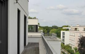 Luxury penthouses for sale in Berlin. Penthouse with a swimming pool in a green district, Berlin, Germany