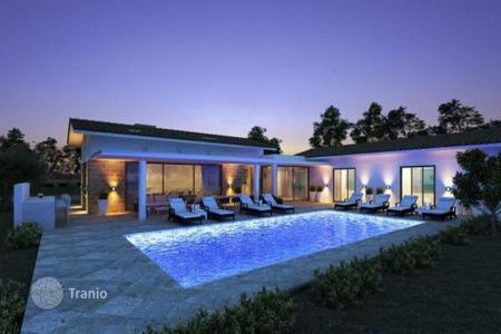 3 bedroom houses for sale in Neo Chorio. Three Bed villa with Pool in Neo Chorio