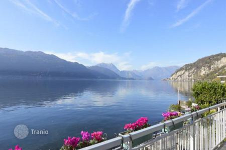2 bedroom houses for sale in Italian Lakes. Comfortable villa with a garden and a beautiful view of the lake, Mandello del Lario, Italy