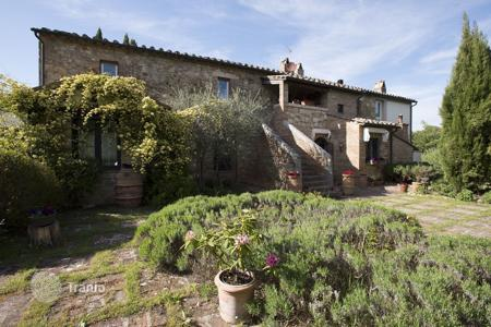 Residential to rent in Chianciano Terme. Detached house – Chianciano Terme, Tuscany, Italy