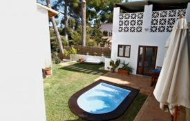 3 bedroom houses for sale in Majorca (Mallorca). Furnished villa with a private garden, a pool and a parking, Costa de la Calma, Spain