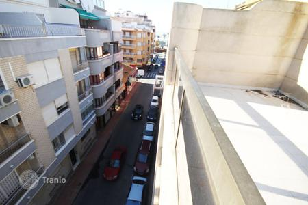 Investment projects for sale in Spain. Torrevieja, building of 5 floors for a hotel or housing