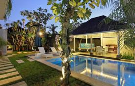 Property for sale in Kerobokan. Cozy two-storey villa with a private plot, a swimming pool and a garage, close to the beach, Kerobokan, Bali