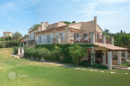 Residential for sale in Opio. Cannes Backcountry — Panoramic view villa
