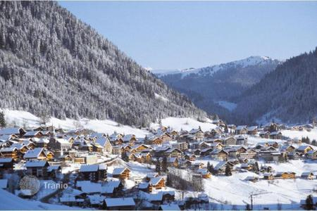 Property for sale in Auvergne-Rhône-Alpes. Apartments in Chatel, France