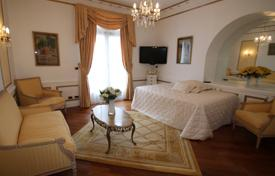1 bedroom apartments for sale in Nice. Superb apartment in the heart of the prestigious Negresco