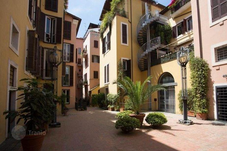 Apartment for sale in Rome, Italy — listing #1420625