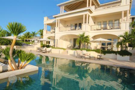 Residential for sale in Antigua and Barbuda. 3F Cove Suites